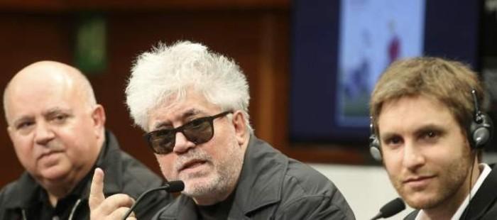 Pedro Almod�var: 'Espa�a est� entre la desesperaci�n y la m�s sombr�a depresi�n'