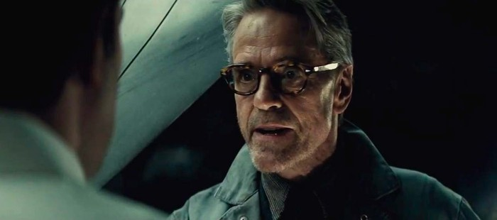Batman Vs Superman: Jeremy Irons cree que mereci� las malas cr�ticas