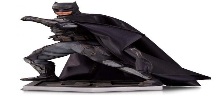 La Liga de la Justicia: Nueva figura con la armadura de Batman