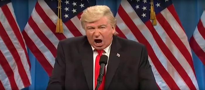 Alec Baldwin podría ocupar el puesto de Donald Trump en la Cena de los Corresponsales de la Casa Blanca