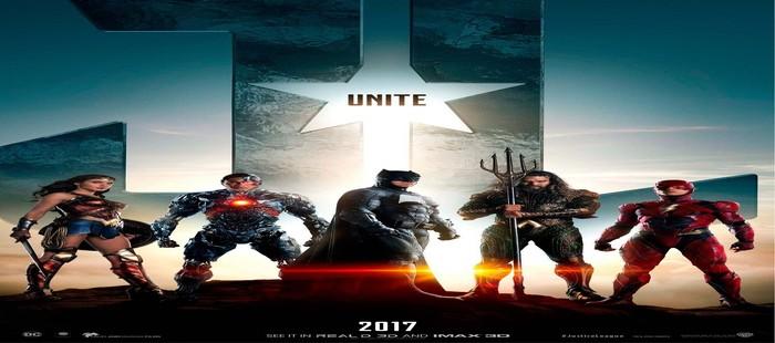 La Liga de la Justicia: Nuevo cartel de grupo con Batman y su resplanceciente logo