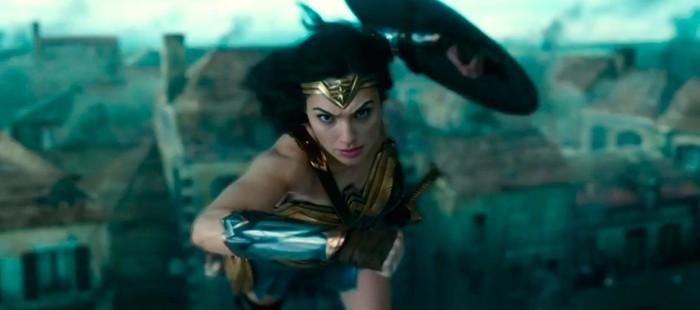 Wonder Woman: Nuevo vistazo a su traje en La Liga de la Justicia para la Comic Con 2017