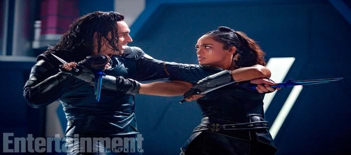 Thor 3: Nueva imagen con Valkiria y Loki cara a cara